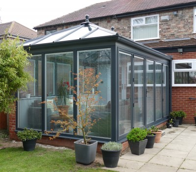 Beautiful conservatory with integrated blinds