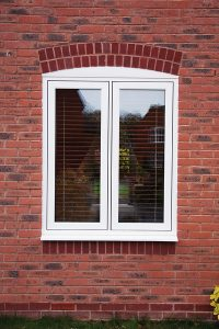 Flush sash casement window