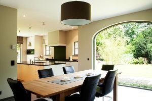 Contemporary kitchen with modern aluminium windows